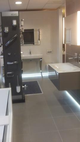 Aquarooms  Showroom shot (6)