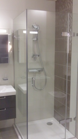Majestic Showers at Aquarooms